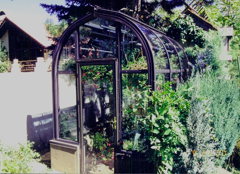 garden room ideas,custom garden greenhouse,custom grenhouses,greenhouse kits,solar greenhouses